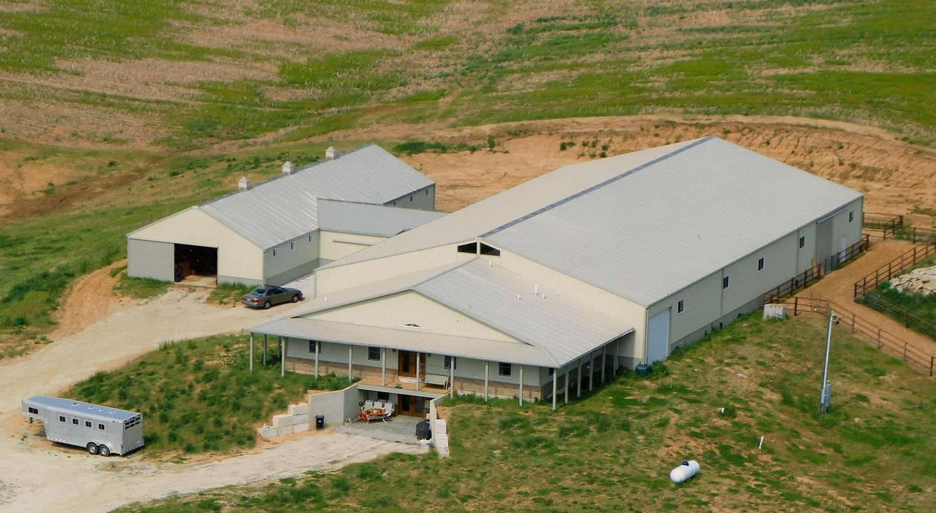 Horse barns in iowa and illinois by greiner buildings for Horse barn with living quarters plans